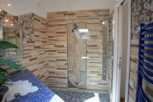 Bathing Mosaic Lady in The Shower